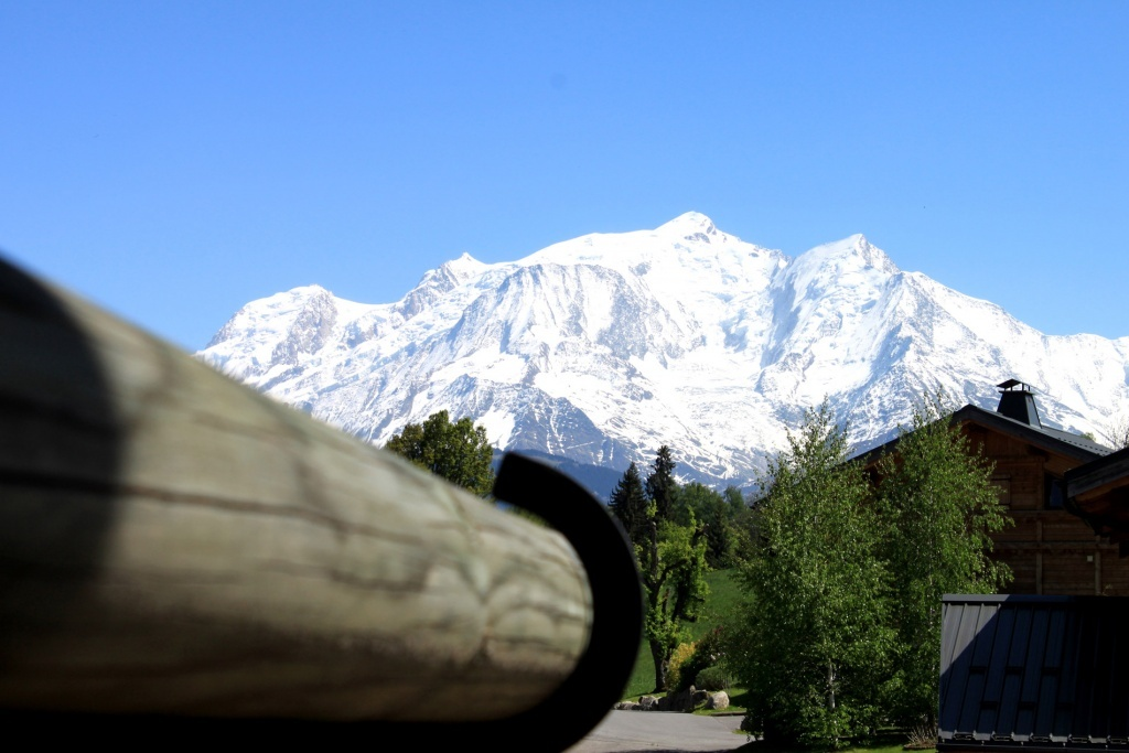 View on the Mont-Blanc from a bedroom
